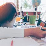 介護の仕事はもう疲れた…心身の疲労の原因・解消の方法
