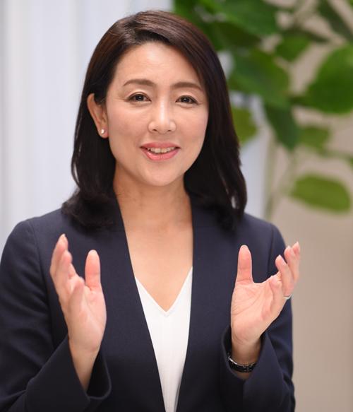 青山事務局長インタビュー写真2